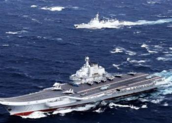 日本防衛省聯合參謀部周日(4月4日)表示,3日上午,中共遼寧號航空母艦和五艘護衛艦由沖繩本島與宮古島之間南下,前往太平洋(網絡圖片)